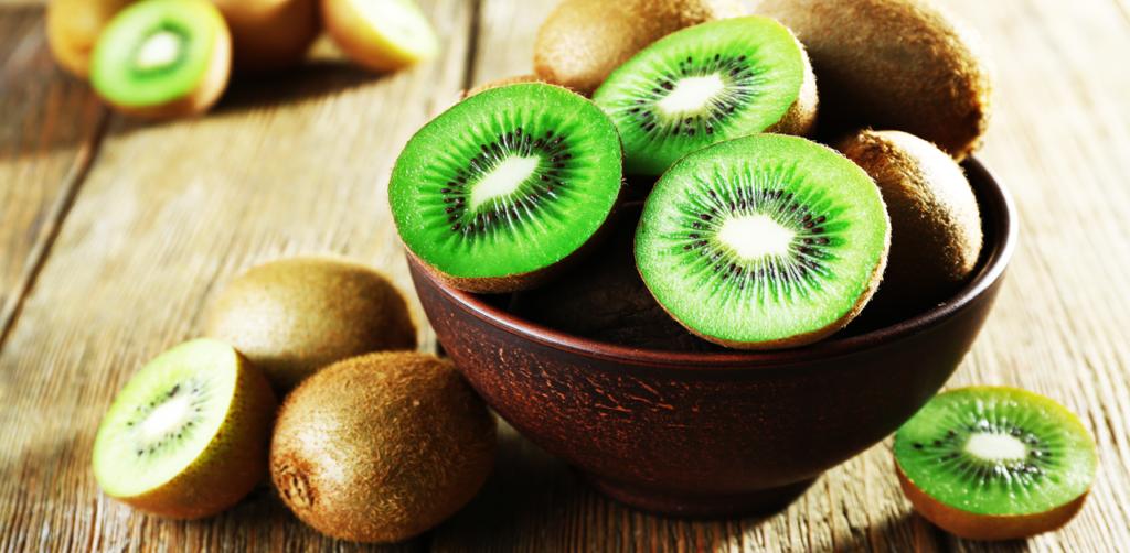 Benefícios do Kiwi: Conheça os 13 melhores!