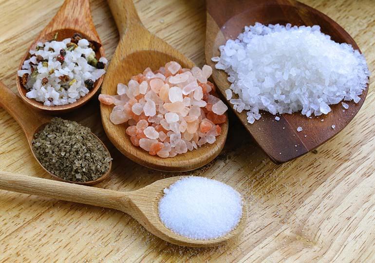 Conheça os Diferentes Tipos de Sal e Saiba Qual é o Melhor