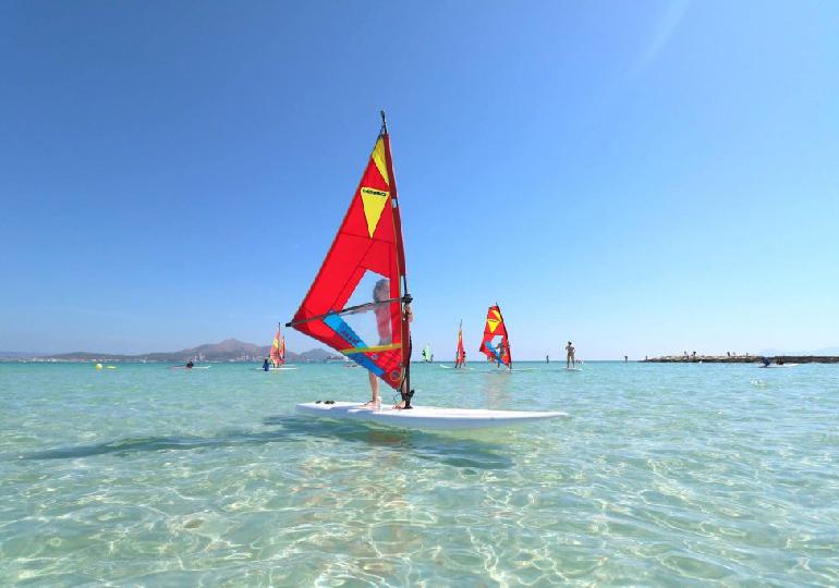 Windsurf: descubra curiosidades desse esporte tão elitizado