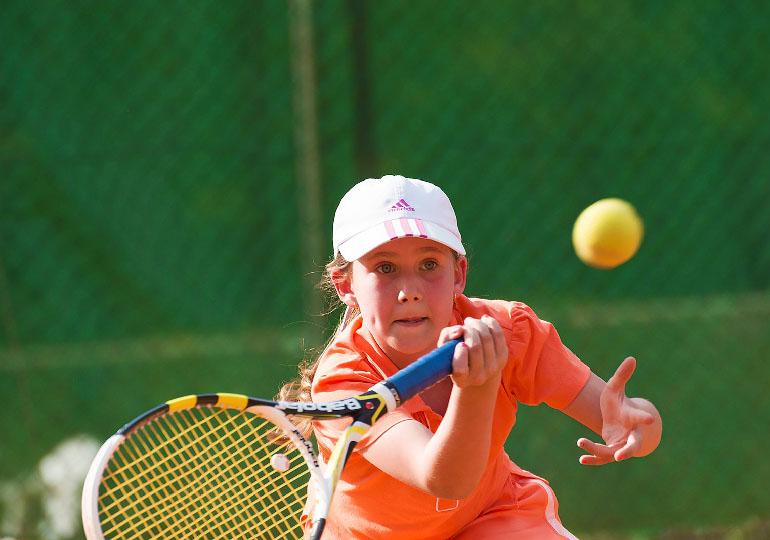Aulas de tênis para crianças