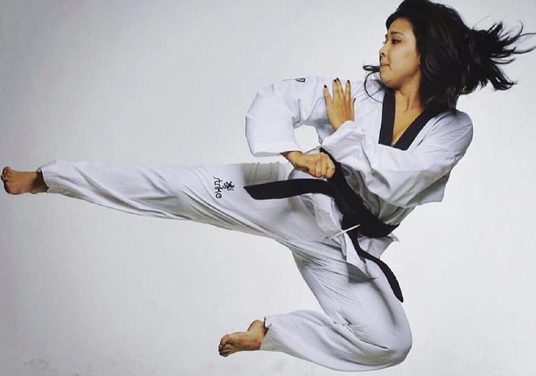 Pratique Taekwondo : esporte olímpico, tradição, alongamento e autodefesa, tudo junto e misturado